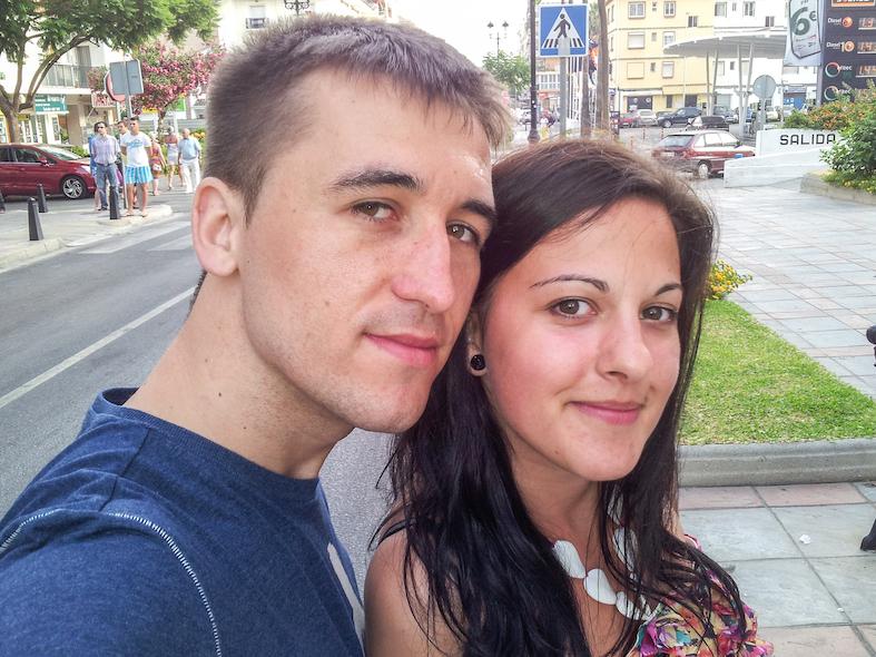 Miruna y Marius de We Collect Postcards en el año 2012