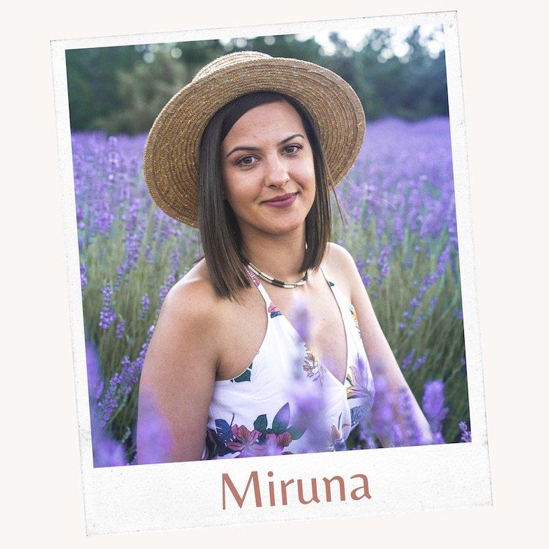 Miruna de We Collect Postcards