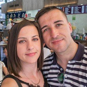 Miruna y Marius de We Collect Postcards