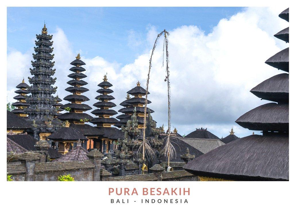Postal con una imagen del templo Besakih, Bali - Indonesia