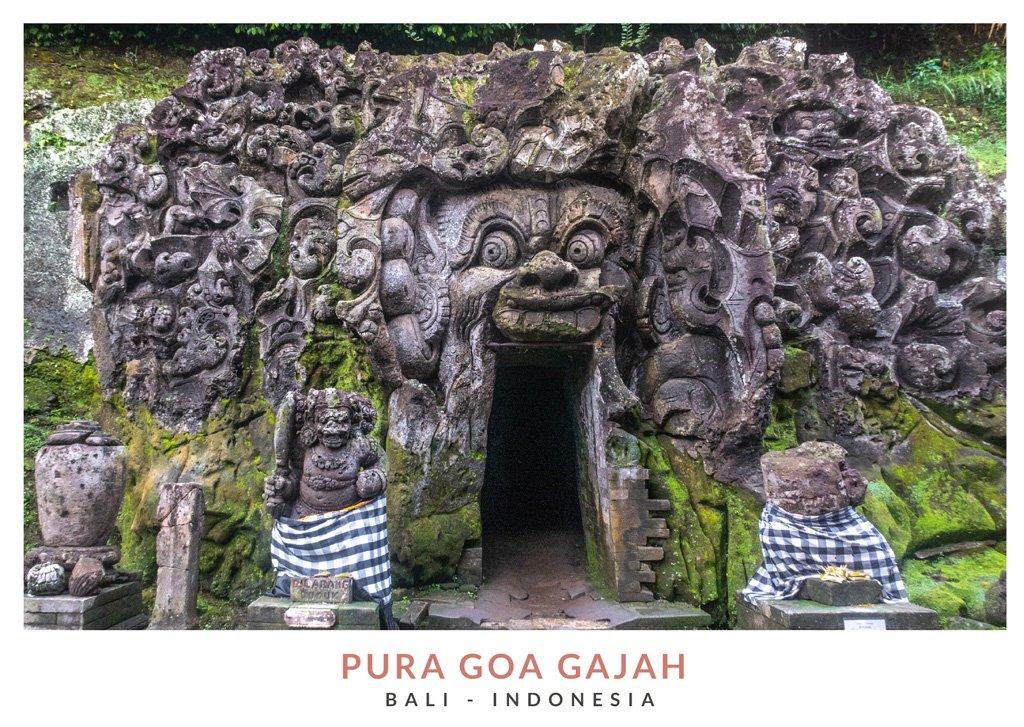 Postal con una imagen del templo Goa Gajah, Bali - Indonesia