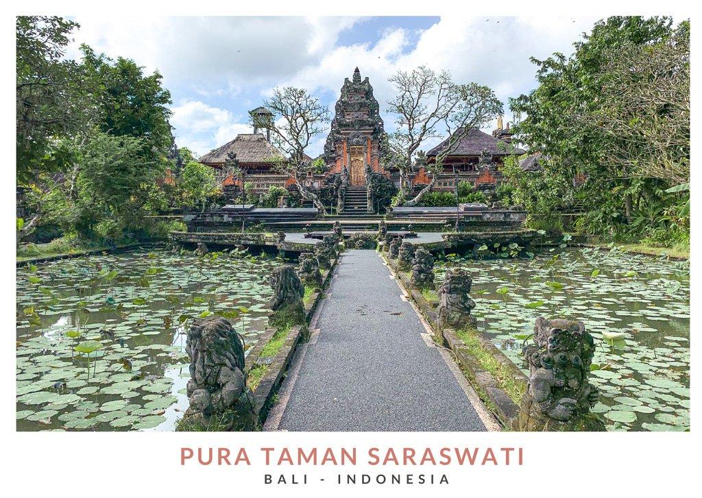 Postal con una imagen del templo Saraswati, Bali - Indonesia