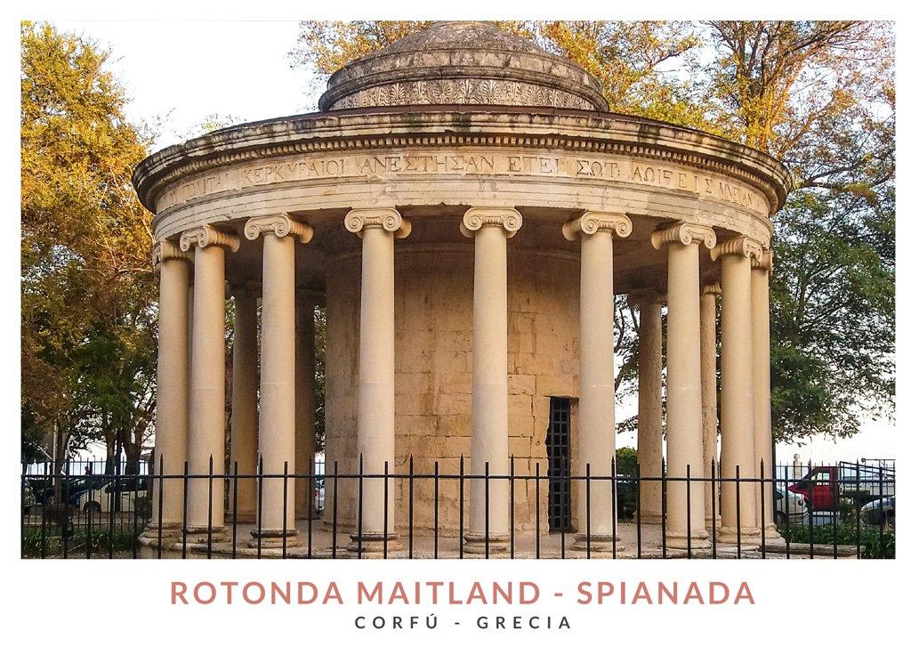 Postal con una imagen de la Rotonda Maitland en el paque Spianada, Corfú - Grecia