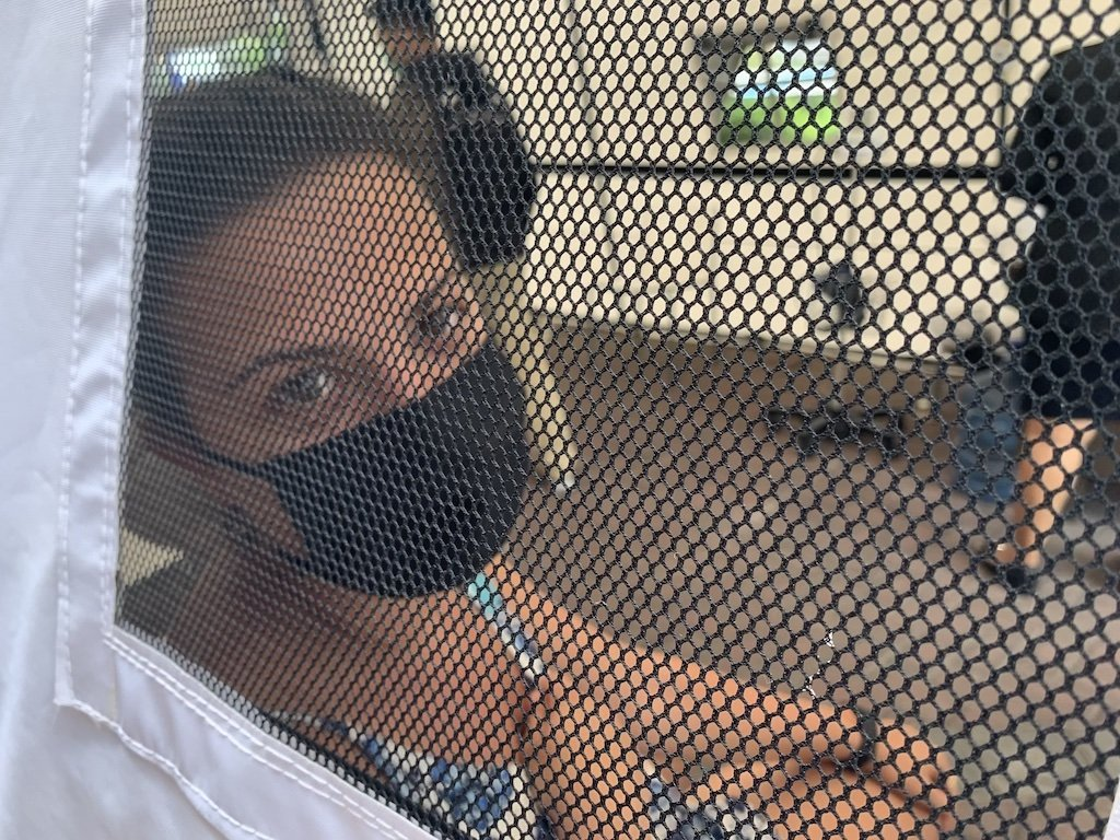 Miruna de We Collect Postcards en el hospital en Bali