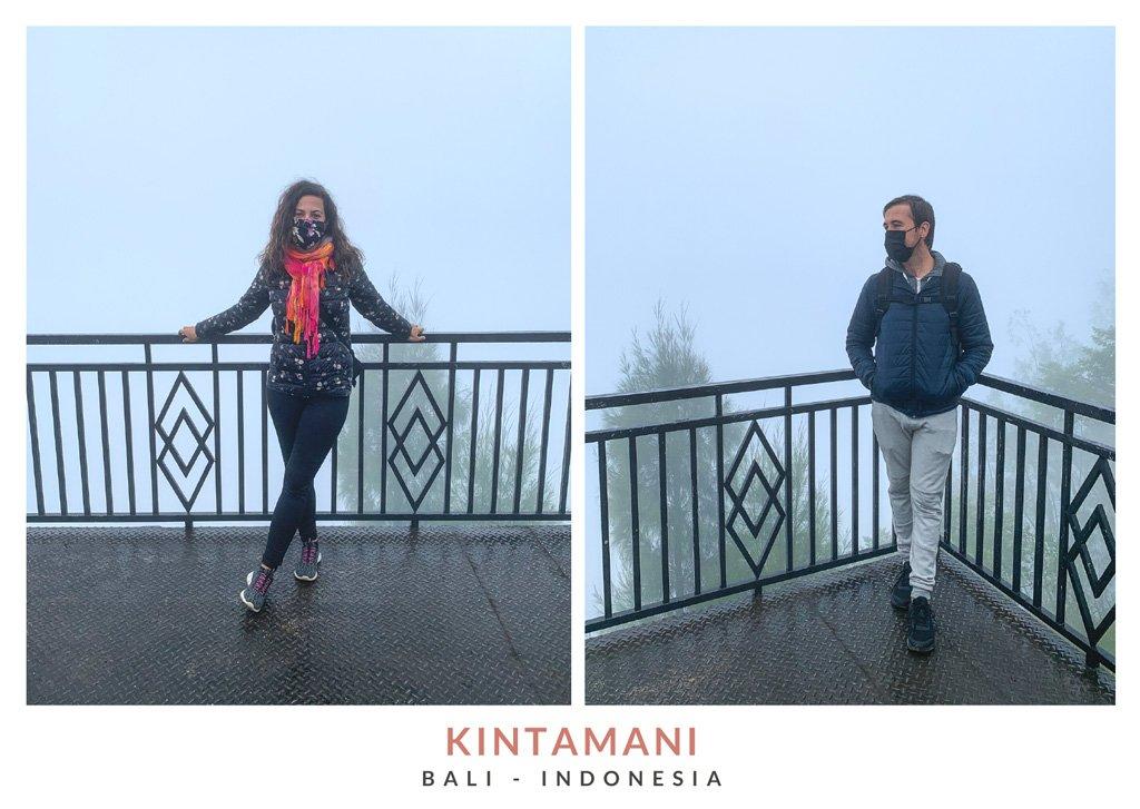Postal con dos fotos de Miruna y Marius de We Collect Postcards en Kintamani, Bali