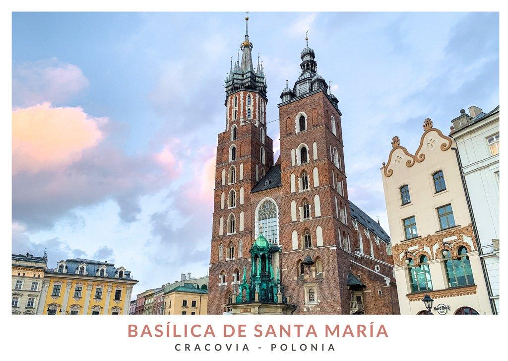 La Basílica de Santa María en el centro de la ciudad de Cracovia