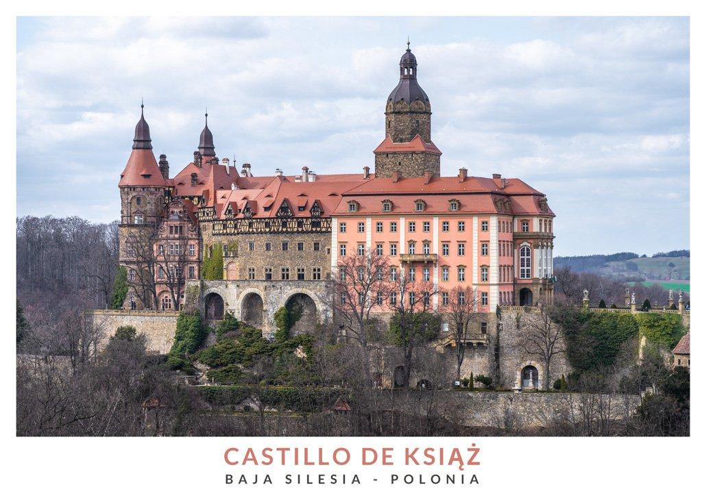 Vista panorámica del castillo de Książ en la Baja Silesia, Polonia