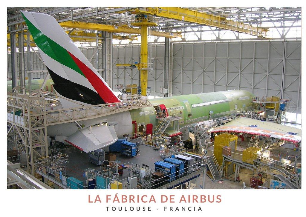 Zona de esamblaje de un avión en la fábrica de Airbus en Toulouse