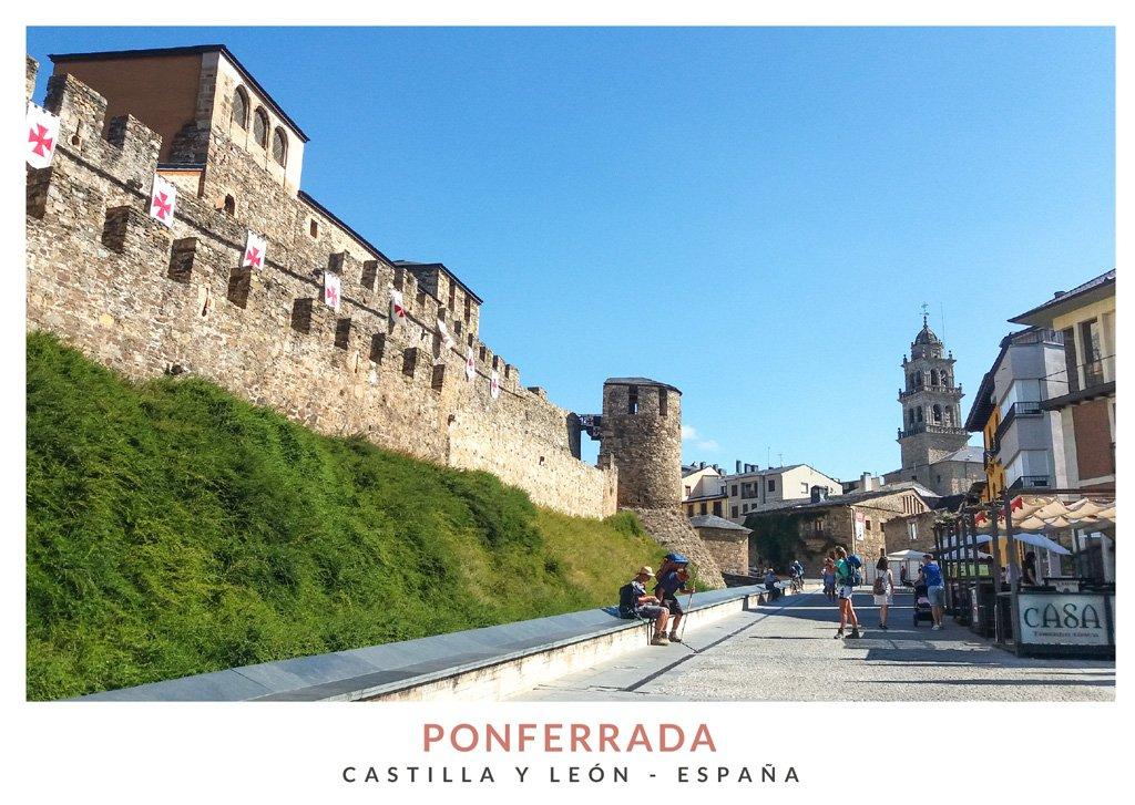 Vista del Castillo de los Templarios y el casco antiguo de Ponferrada, Castilla y León
