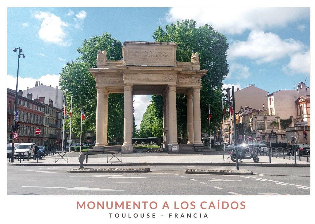 Monumento a los Caidos con forma de arco romano situado en Toulouse, Francia