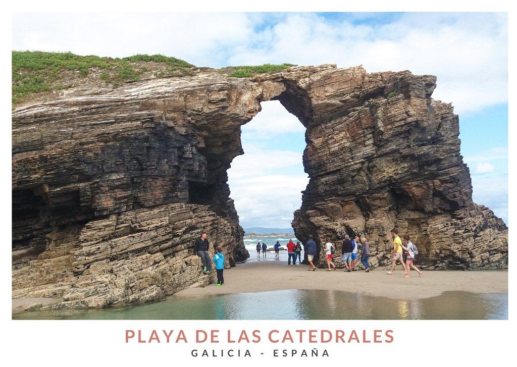 Arco natural de piedra en la Playa de las Catedrales, Ribadeo