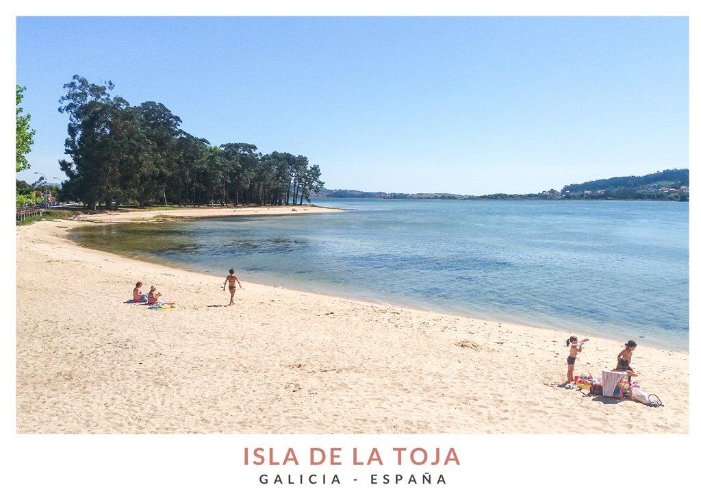 Playa en forma de concha en la Isla de la Toja, Galicia