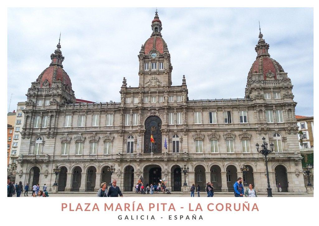 Ayuntamiento de la ciudad de La Coruña en la Plaza María Pita, Galicia
