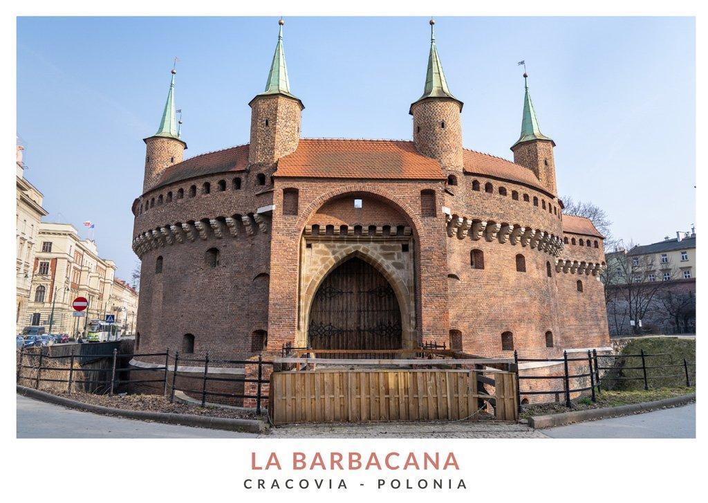 La Barbacana vista de día en Cracovia, Polonia