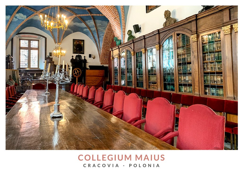 Interior de la biblioteca del Collegium Maius en Cracovia, Polonia