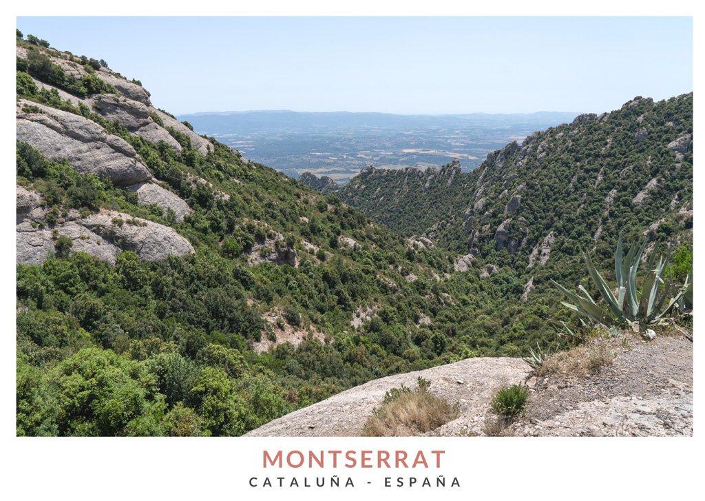 Rutas de senderismo en la montaña de Montserrat, Cataluña - España