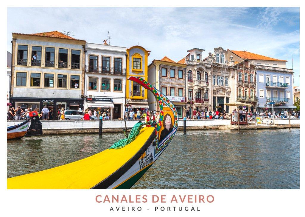 Barco en los canales de Aveiro, Portugal