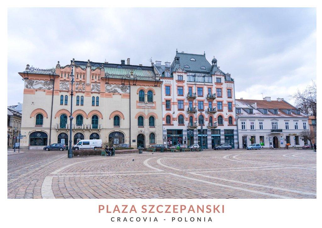 La Plaza Szczepanski durante el día en Cracovia