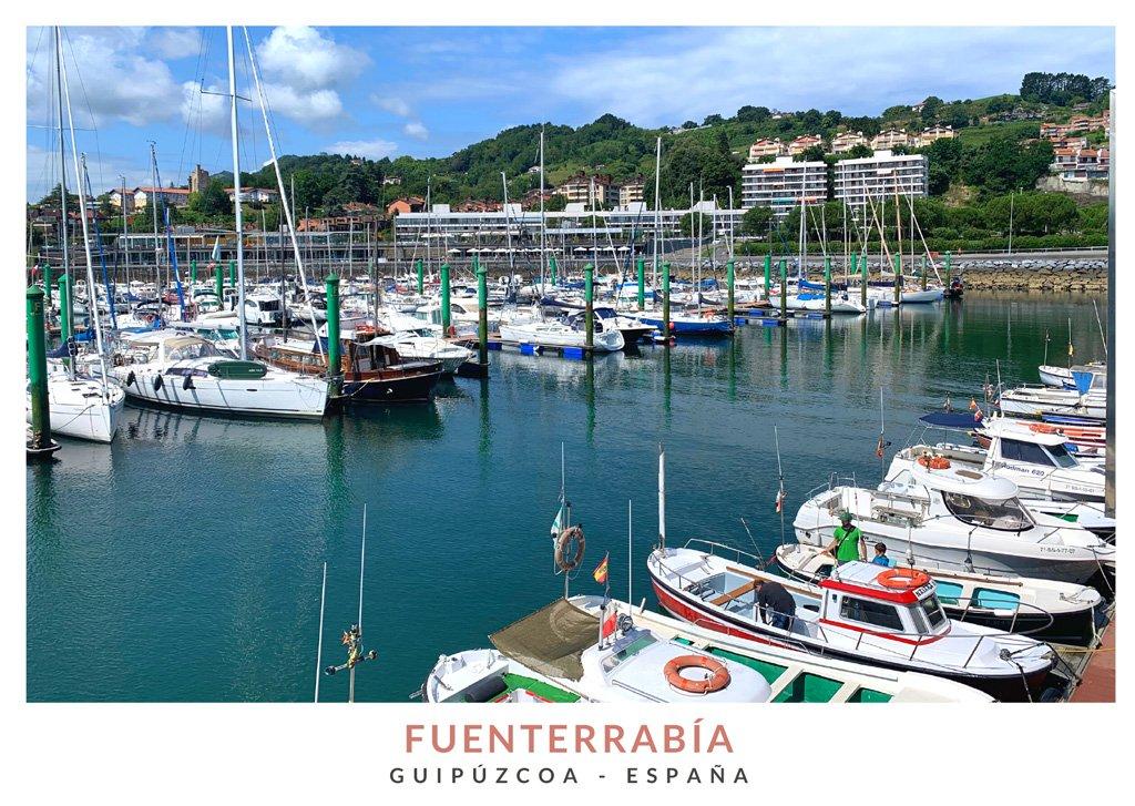 Barcos en el puerto deportivo de Fuenterrabía, Guipúzcoa
