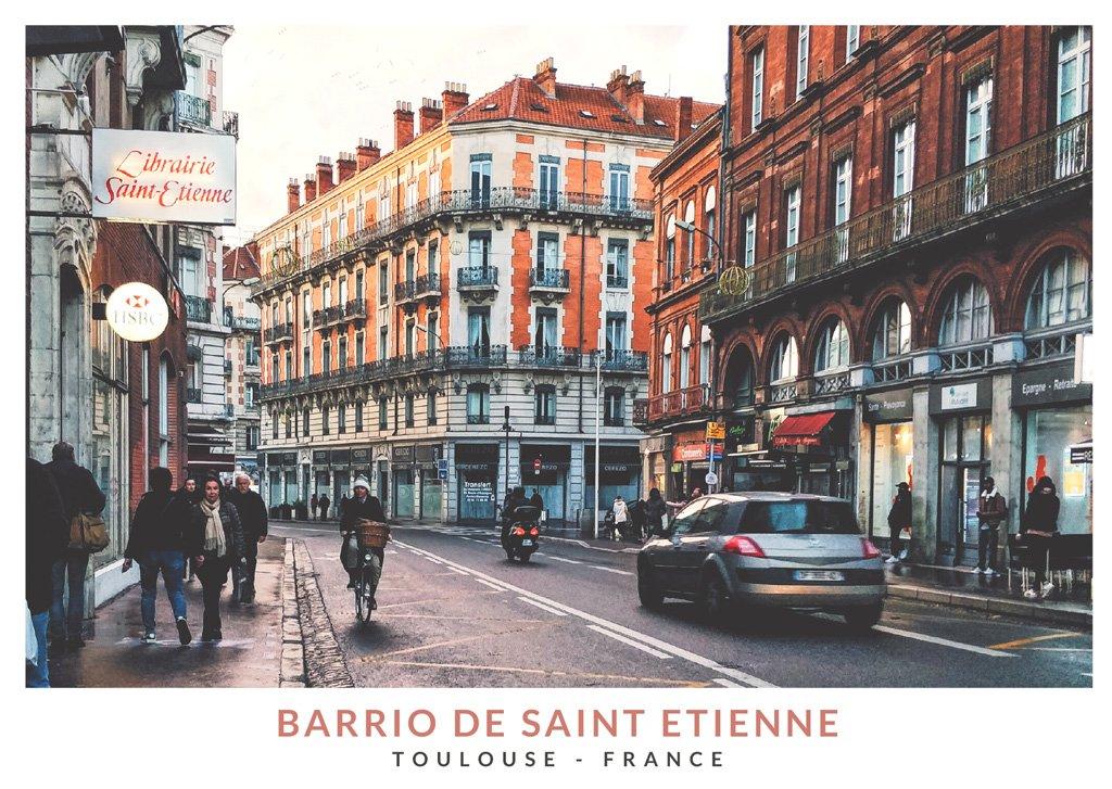Una calle con edificios de ladrillo en el barrio Saint Etienne de Toulouse, Francia